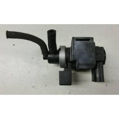Transducteur de pression ref 8E0906628 / Magnetventil 2 8E0 906 628 / 7.22903.33