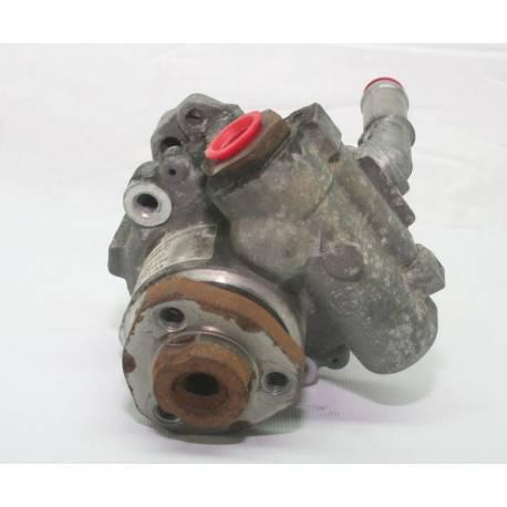 Pompe de direction assistée / Pompe à ailettes ZF pour Audi TT / VW New Beetle ref 8N0145154A