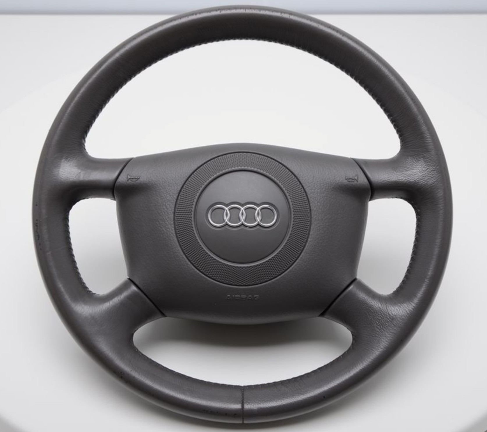 Steering Wheel Airbag With Controls On Steering Wheel For Audi A4 B6 Sale Auto Spare Part On Pieces Okaz Com