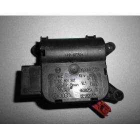 Servomoteur de volet de régulation de température pour Audi A4 / Seat Exeo ref 8E1820511 / 8E1820511G / Ref Bosch 0132801301