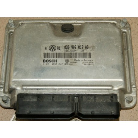 Calculateur moteur 038 906 019 AQ