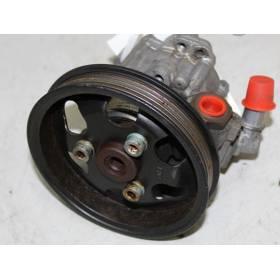 Pompe de direction assistée / Pompe à ailettes pour Audi A6 4B ref 4B0145155T / 4B0145155TX