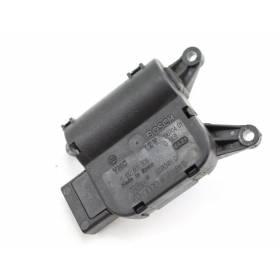Servomoteur de volet de régulation de température pour Audi A4 / Seat Exeo ref 8E1820511C / 8E1820511K / Ref Valeo 663827H
