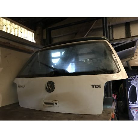 Malle arrière hayon coloris blanc pour VW Golf 4