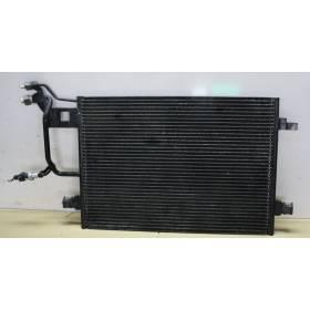 Condenseur de climatisation ref 8D0260401E / 8D0260401H / 8D0260403D / 8D0260403E / 8D0260403H / 8D0860401E