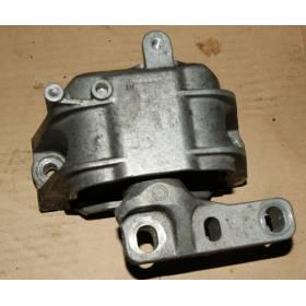 Support / console / appui moteur passager pour 2L TDI ref 1K0199262AT