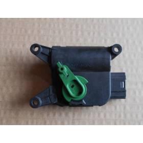 Servomoteur de volet de régulation de température pour Audi A4 / Seat Exeo ref 8E1820511F / 8E1820511M / Ref Bosch 0132801322
