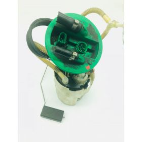 Pompe à carburant avec accumulateur pour Audi A4 2L5 V6 TDI ref 8D0906087AQ / 8D0201319B
