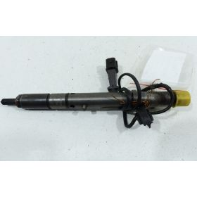 1 injecteur pilote 2L5 V6 TDI 150 cv ref 059130202B  / 0432133823