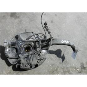 Fusée cache roulement avant droit passager Audi A4 / A5 / Q5 ref 8K0407254