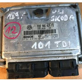CALCULATEUR MOTEUR SKODA BOSCH 038906019FJ 0281010789