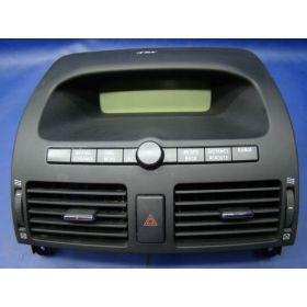 Ecran / unité d'affichage radio TOYOTA AVENSIS T25 ref 86110-05020