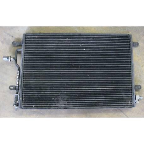 Condenseur de climatisation Audi A4 ref 8E0260401E / 401H / 401L / 401N / 401Q / 403E / 403H / 403L / 403N / 403Q / 8E0260403T