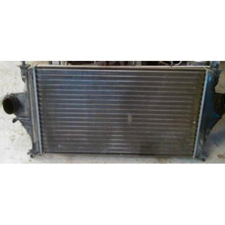 Radiateur refroidisseur d'eau pour Peugeot 406 ref RM1102 / 849372C