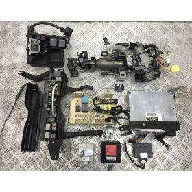 Kit complet calculateur moteur TOYOTA AVENSIS T25 89661-05A41 ***