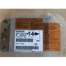 Calculateur d'airbag NAVARA 98820EB01B Bosch 0285001782 ***