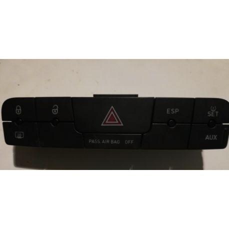 Bouton feu de détresse / Warning / Interrupteur multiple noir carbone pour Seat Ibiza type 6J ref 6J0927137