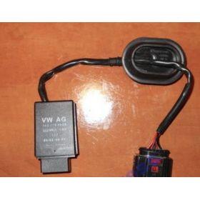 Calculateur pour pompe à carburant Audi Seat VW Skoda ref 1K0906093J