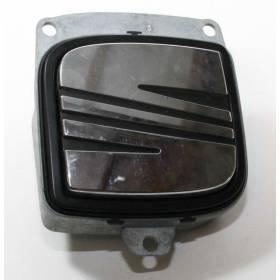 Poignée de coffre pour Seat Toledo ref 5P0827565 / 5P0827565A / 5P0827565B / 5P0827565C / 5P0827565D